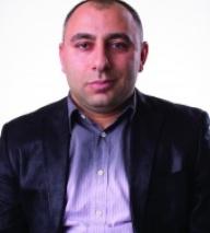 Varuzhan Akobian