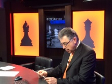 GM Yasser Seirawan prepares for the broadcast